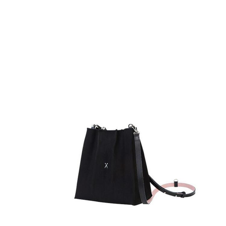 신세계인터넷면세점-조셉앤스테이시-여성 가방-Lucky Pleats Canvas Cross Mini Black