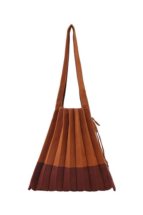 신세계인터넷면세점-조셉앤스테이시-여성 가방-Lucky Pleats Knit M Mix Chestnut